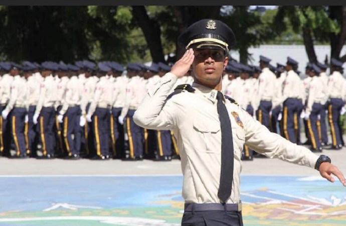 1022 policiers viennent renforcer l'effectif de la PNH.