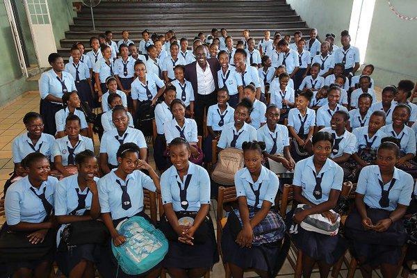 Haïti-Éducation: dans la crasse, le Lycée du Cent Cinquantenaire fête ses 74 ans