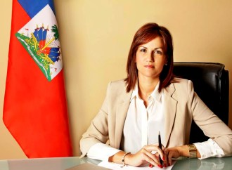 Quand l'ex-ministre Stéphanie Balmir Villedrouin laisse ses œuvres parler à sa place