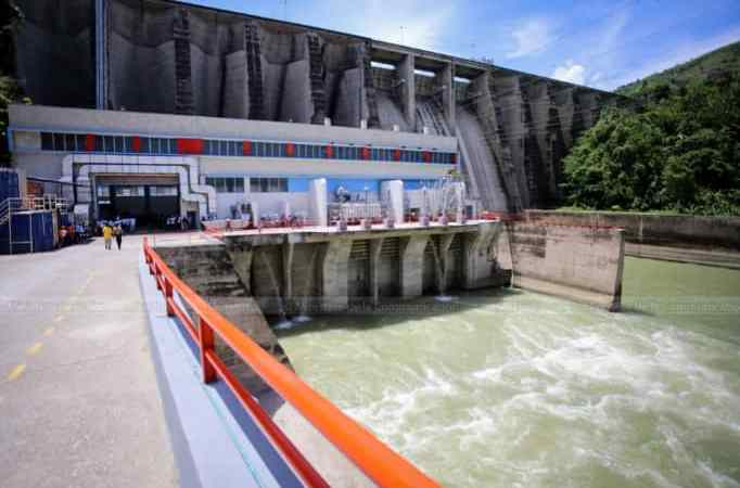 Électricité 24/24: Jovenel Moïse remet en marche 3 turbines de la Centrale hydroélectrique de Péligre