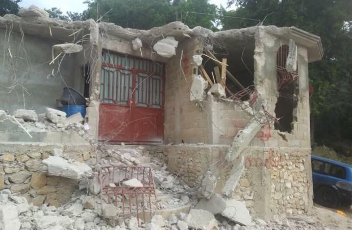 Déguerpissement à proximité de la résidence de Jovenel Moïse: une action de la DGI visant à identifier les terrains de l'État