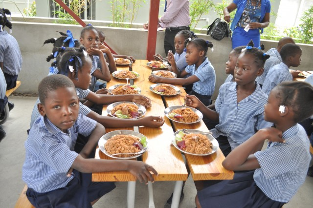 Suspension provisoire du programme national de cantine scolaire
