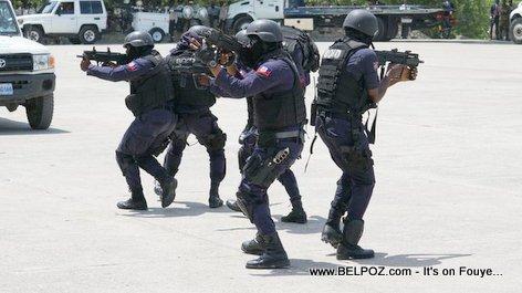 """Des policiers """"assassins"""" de leurs frères d'arme, en cavale et recherchés parla PNH"""