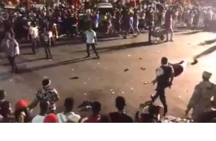 Exercices pré-carnavalesques : un mort, une trentaine de blessés, 2 policiers arrêtés