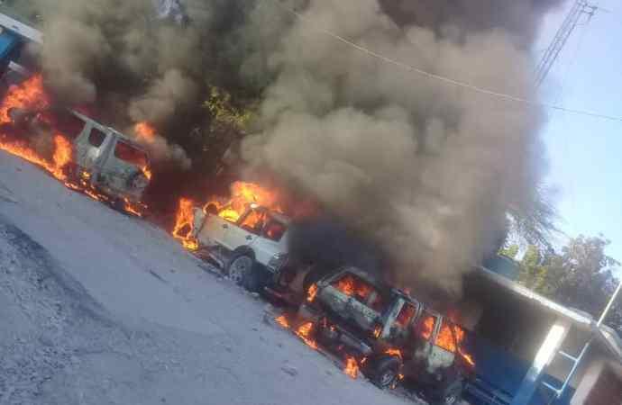 Tension à Montrouis: trois véhicules incendiés