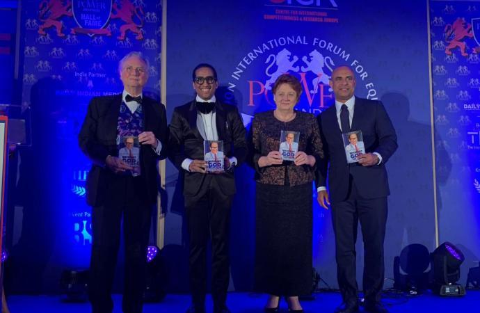 Laurent Lamothe honoré pour sa contribution contre les inégalités dans le monde
