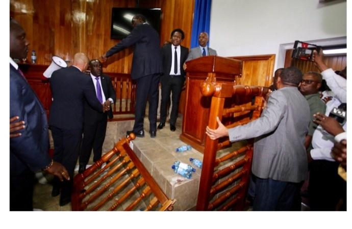 Le sénat transformé en pugilat, la ratification du PM est dans l'impasse