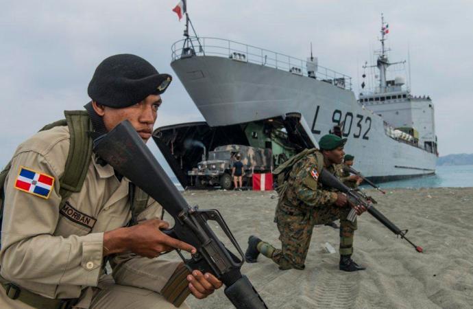 La République Dominicaine envisage de proposer au conseil de sécurité de l'ONU de placer Haïti sous protectorat, selon Listin Diario