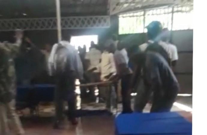 Accusés d'être proches Jovenel Moïse, des militants politiques ont été malmenés par des Lavalasiens
