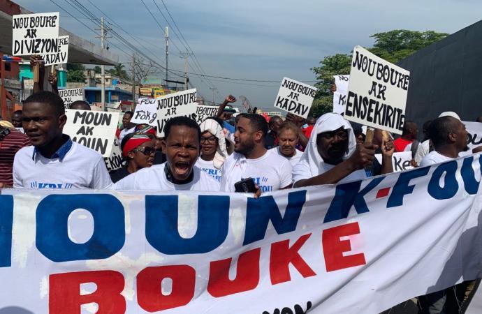 «Nou tout ka pran bal», préviennent les habitants de Carrefour