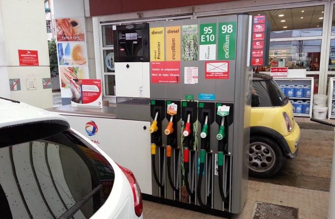 Carburant : des spécialistes en économie et en énergie appellent  à une autre forme de subvention