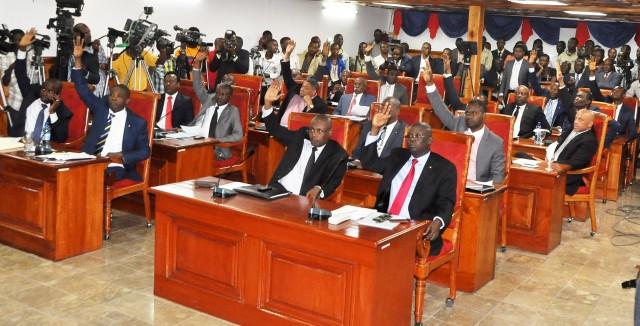 Caducité du Parlement: le tribunal correctionnel se declare incompétent
