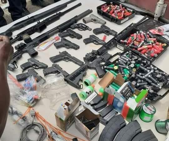 Au Cap-Haïtien, des agents de la PNH ont saisi une cargaison d'armes à feu