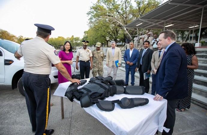 Les États-Unis aident au renforcement matériel de la PNH