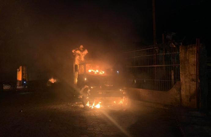 Des chars musicaux en feu au stade Sylvio Cator