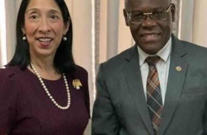 Jouthe Joseph discute avec l'ambassadeur des USA sur des mesures urgentes à prendre