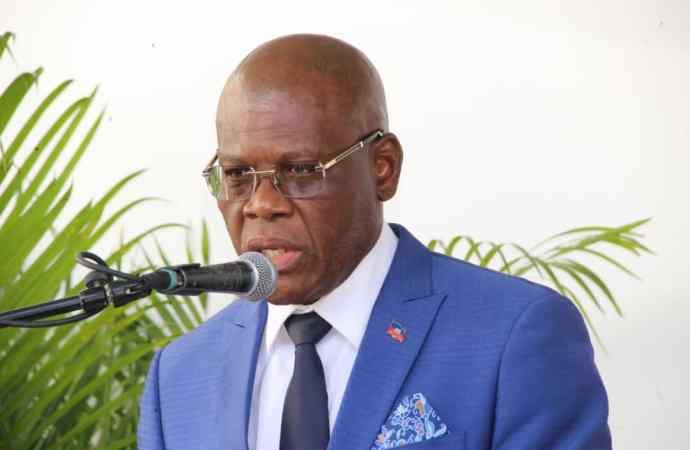 Haïti-Coronavirus : le port du masque obligatoire, annonce Joseph Jouthe