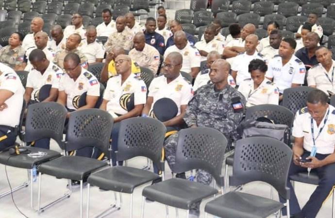 PNH-ONA: Séance de formation pour des agents de différentes unités de la police