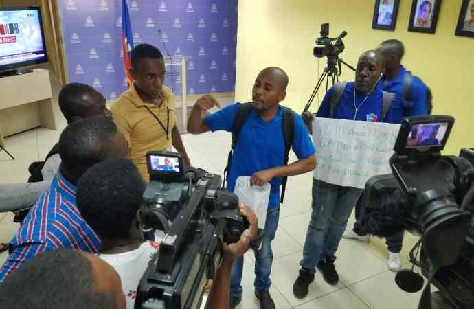 Mouvement de protestation au ministère de la Communication