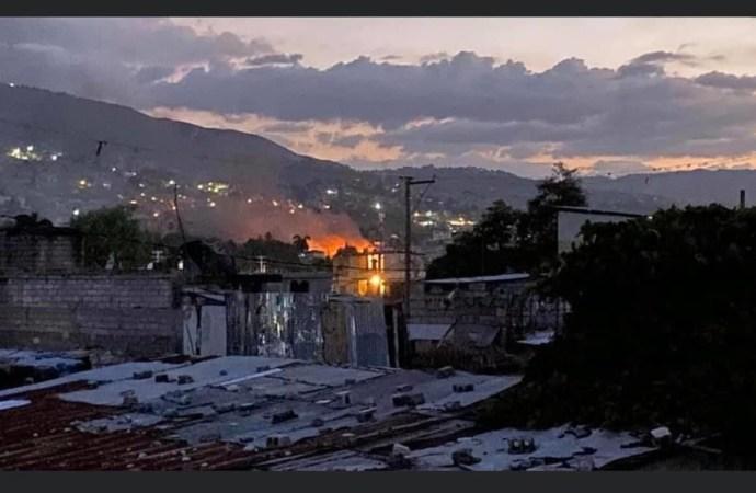 Affrontements entre gangs: Deux morts, plusieurs maisons incendiées