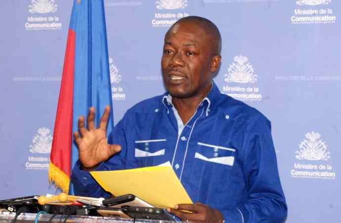 Le gouvernement condamne les agressions contre le journaliste Georges E. Allen