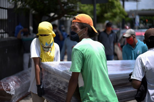 Équateur: plus de 700cadavres recueillis dans des logements à Guayaquil