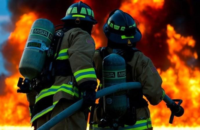 Les sapeurs-pompiers brûlés dans l'explosion d'un camion citerne, en mauvais état à l'hôpital