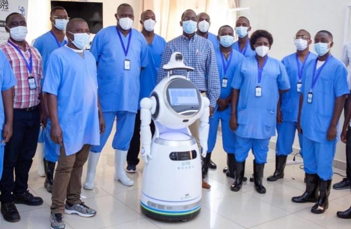 Au Rwanda, des robots aident dans la lutte contre la coronavirus