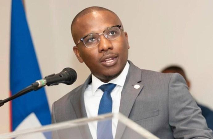 """Diplomatie : """"76% des affectations à l'étranger sont faites sur la base de référence politique"""", déplore Claude Joseph"""