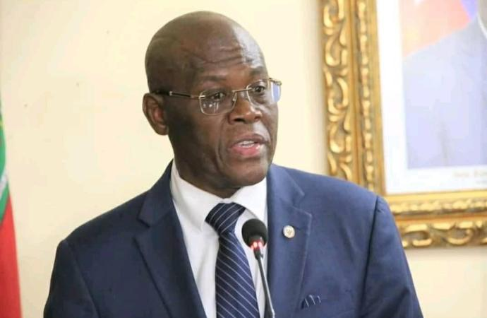 Joseph Jouthe dit être choqué devant l'impuissance des agents de la PNH