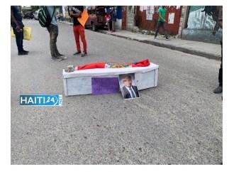 Assassinat de Me Dorval: des étudiants de la FDSE organisent des funérailles symboliques