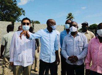 Jovenel Moïse visite le chantier du réseau électrique de la zone métropolitaine