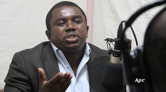 Il n'y a aucun mal à ce qu'un membre du Secteur Démocratique parle au téléphone avec Jovenel Moïse , dixit André Michel