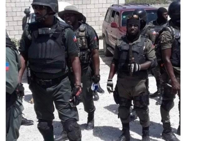 Pour réclamer plusieurs mois d'arriérés de salaires, des agents de la BSAP armés bloquent la nationale # 1