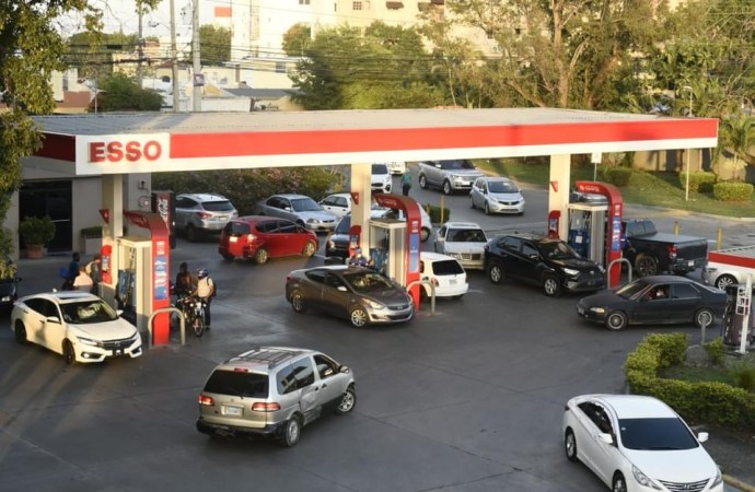 République Dominicaine: Le prix du carburant augmentera de plus de 19 pesos par gallon
