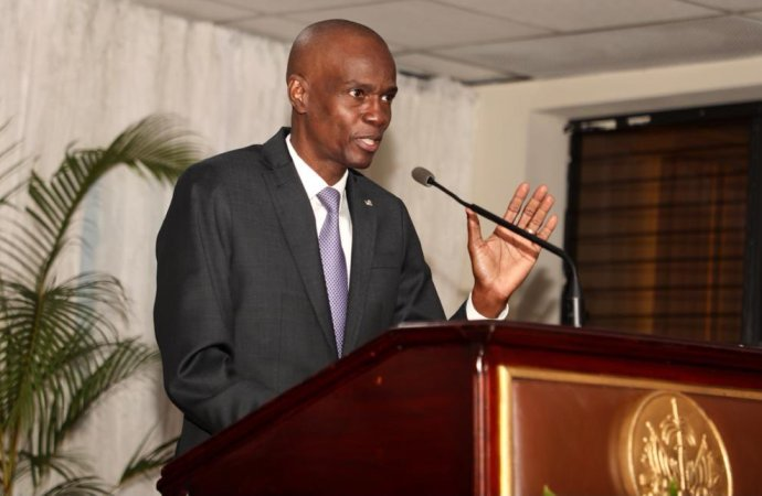 « Si quelqu'un pense pouvoir diriger avec cette constitution, c'est qu'il est en train de rêver », dixit Jovenel Moïse