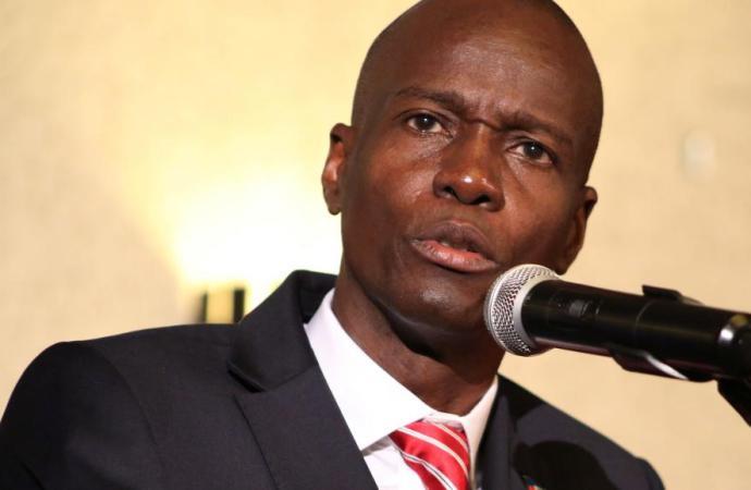 L'exécutif parle de dialogue et d'élections
