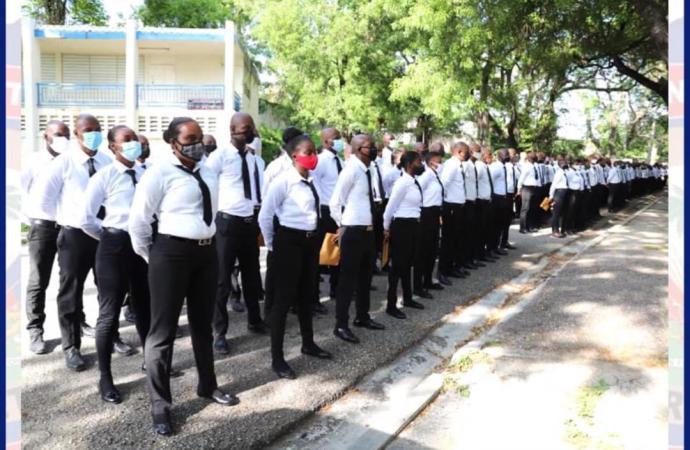 640 aspirants policiers dont 133 femmes reçus à l'École Nationale de Police