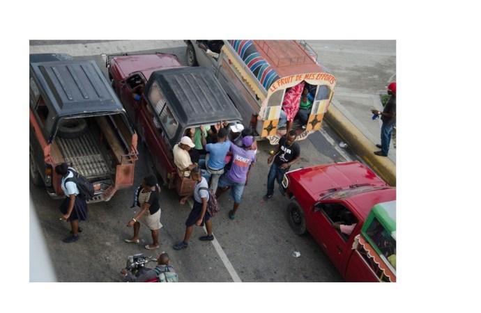 Pénurie de Carburant: Les chauffeurs augmentent le prix des trajets, des passagers offusqués