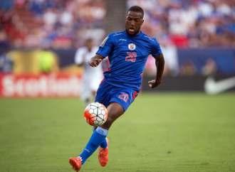 Duckens Nazon signe un contrat avec le Quevilly- Rouen Métropole (France)