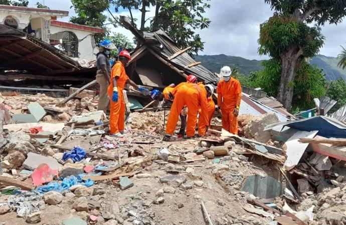 Séisme en Haïti: 34 rescapés secourus