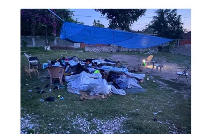 Tempête Grace : Les habitants du Grand Sud passent une première nuit sous la pluie