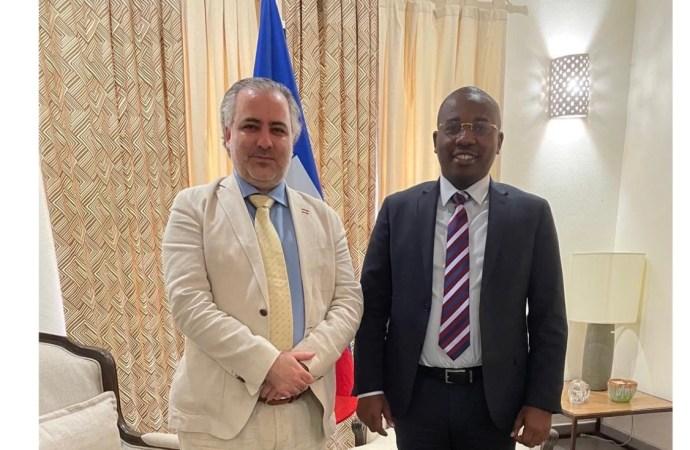 Importante réunion de travail entre Claude Joseph et des représentants de l'OEA en Haïti