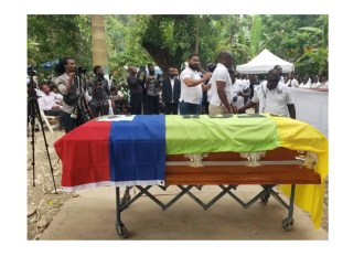 Tenue des funérailles de Laurent Louis Batista Althema dit Tema