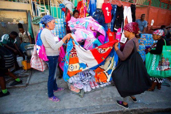 Cubans flock to Haiti for bargain shopping