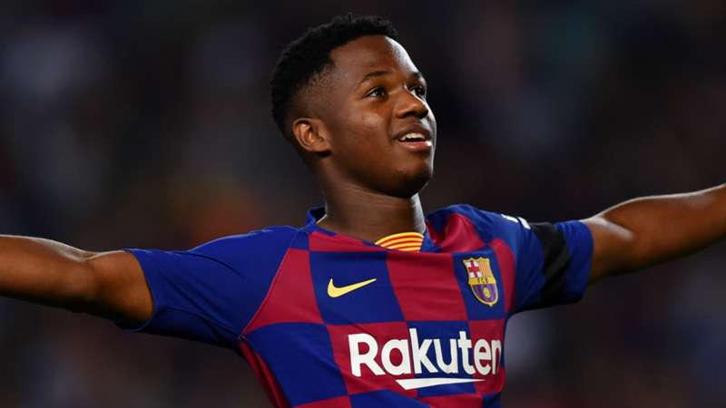 Fati signs new long-term Barcelona contract with €400m buy-out clause