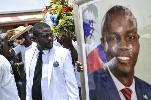 Gang boss leads protest rally against Moïse assassination