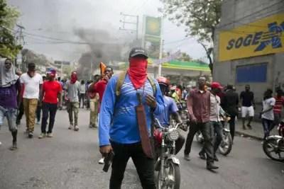Haïti-Protestation policière: manifestations violentes, le SPNH prend ses distances 2