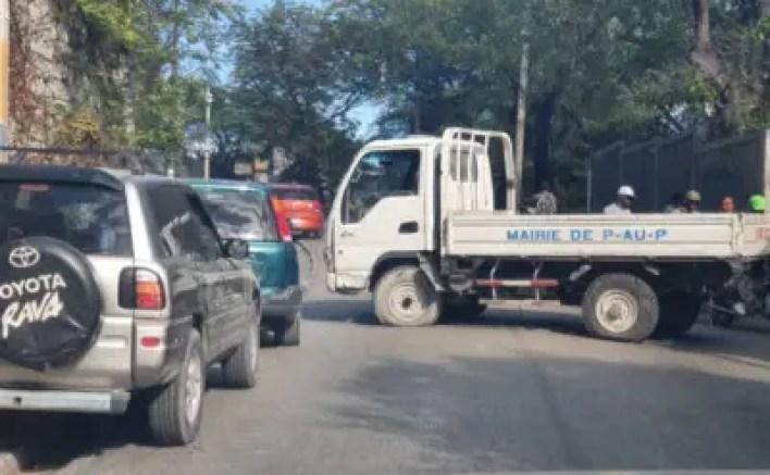 Haïti-Protestations: Des policiers s'acharnent sur les biens de l'État 2