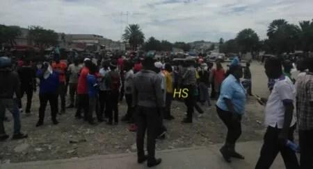 Port-au-Prince : 2 blessés par balles, 1 camion de ciment détourné, un véhicule et 4 motocyclettes volés